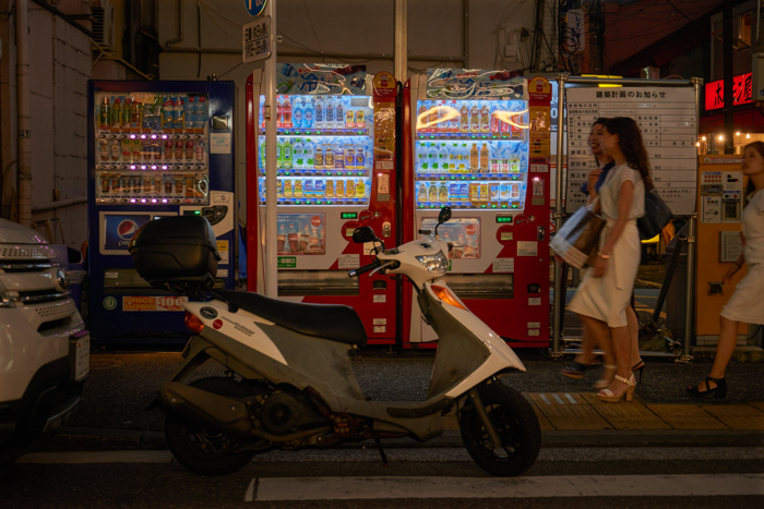 Vending machines open all night (2018_SN_03)